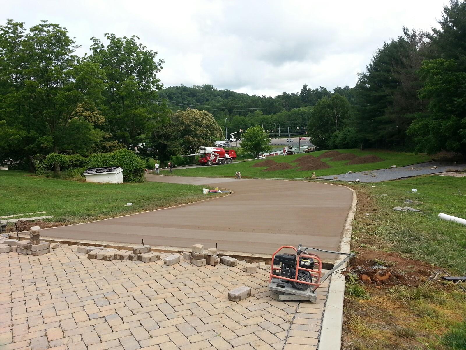 Sabine Hill Driveway